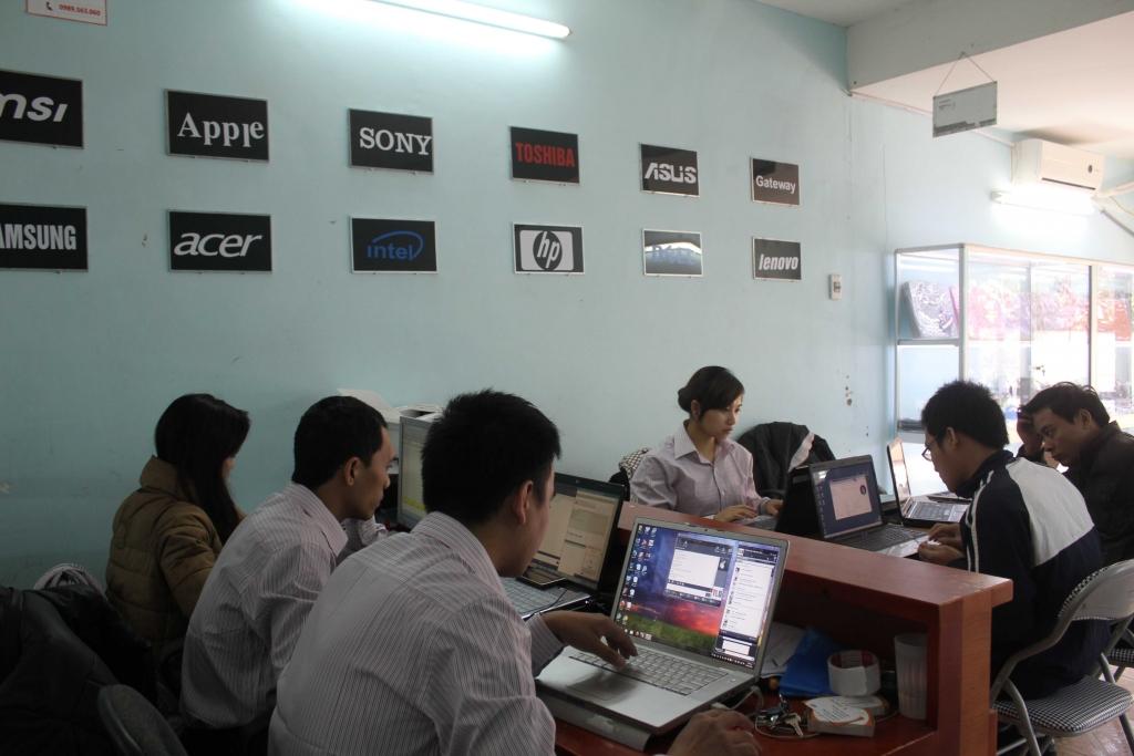 Mua Macbook cũ chính hãng giá rẻ ở đâu tại Hà Nội