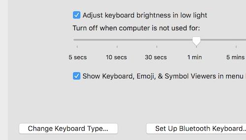 sử dụng các sticker trên Macbook Pro 13 inch cũ chính hãng