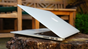 Macbook air 13 inch cũ