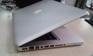 Macbook pro 15 inch cũ