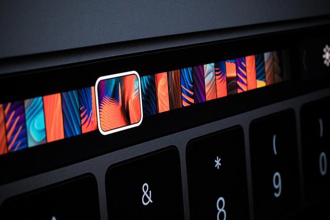 touchBar trên Macbook Pro TouchBar 2016