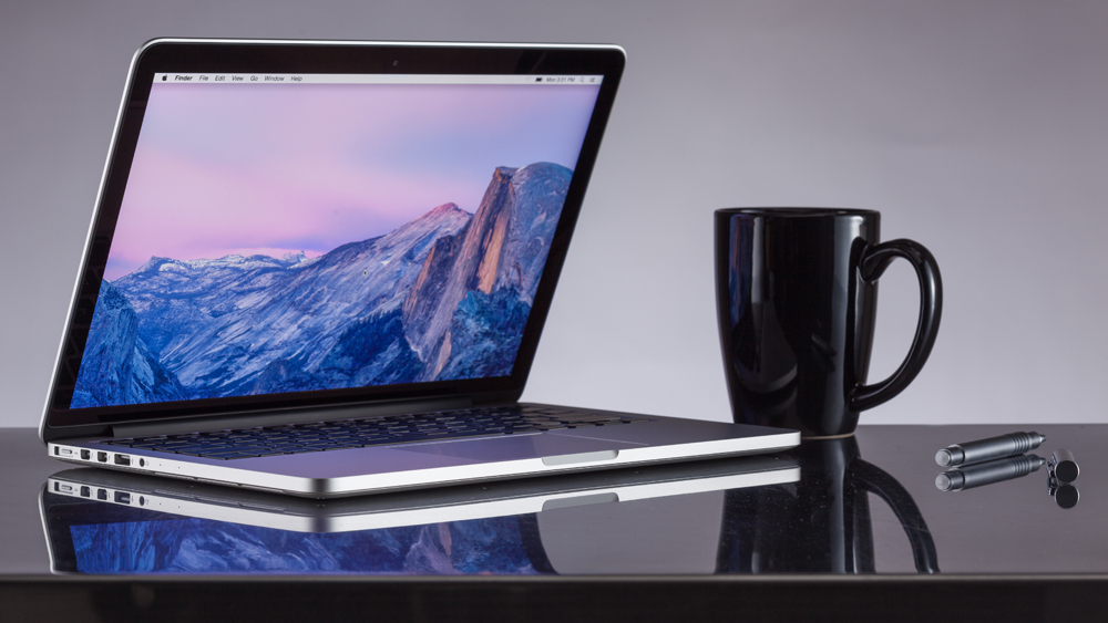 so-sanh-macbook-pro-13-inch-va-surface